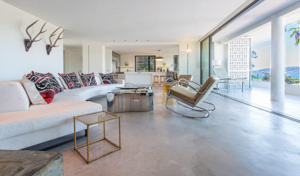 Large Villa Open Living Room with Balcony