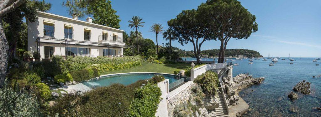 Beautiful Villa on the Coastline